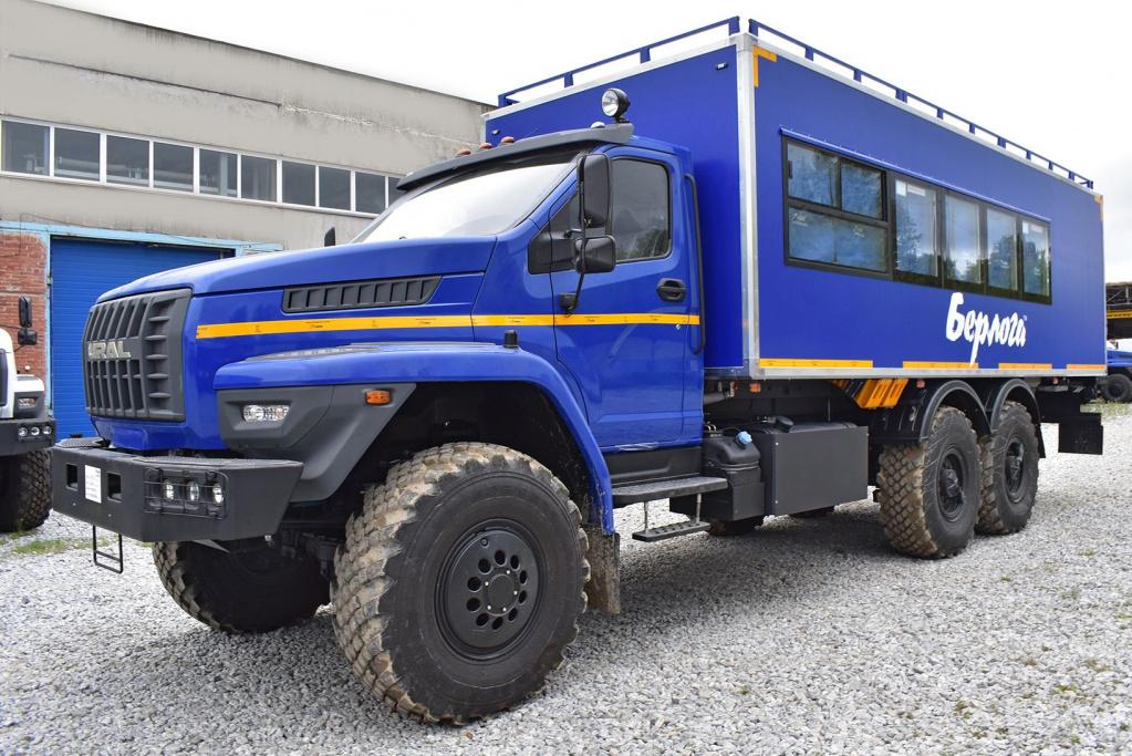 На шасси «Урал NEXT» создан комфортабельный фургон «Берлога»