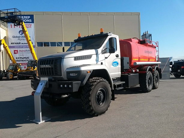 GAZ Group Presents Ural NEXT Refueling Truck for Oil and Gas