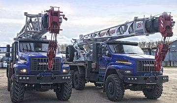 Автокраны «Урал» на газовом топливе поставлены на предприятия  российского нефтегазового комплекса